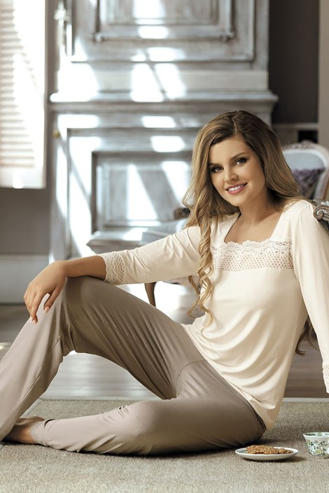 Элегантная женская пижама Andrea