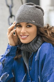 Женская шапка Ana Grey