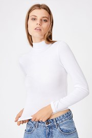 Жіноча базова водолазка Mila біла